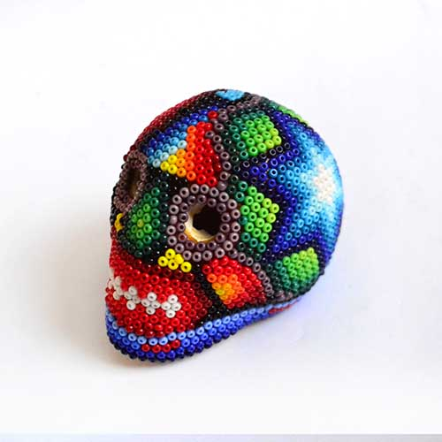 Skull lined with beads - Beadwork Huichol